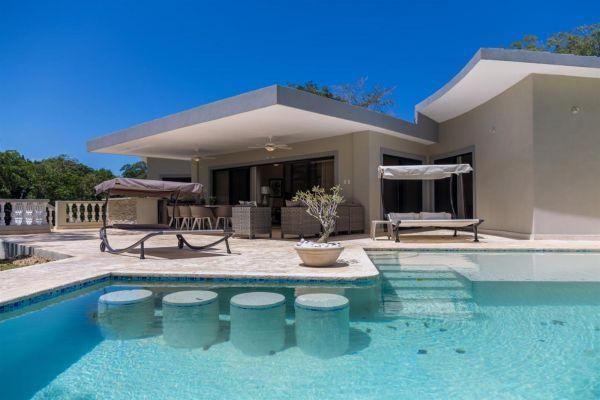 Villa Tranquila Prediseñada en Proyecto Cerrado | Bienes Raices Republica Dominicana