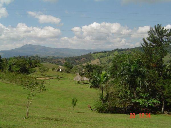 Finca a 3 km de la Autopista Duarte, Piedra Blanca, Bonao | Bienes Raices Republica Dominicana